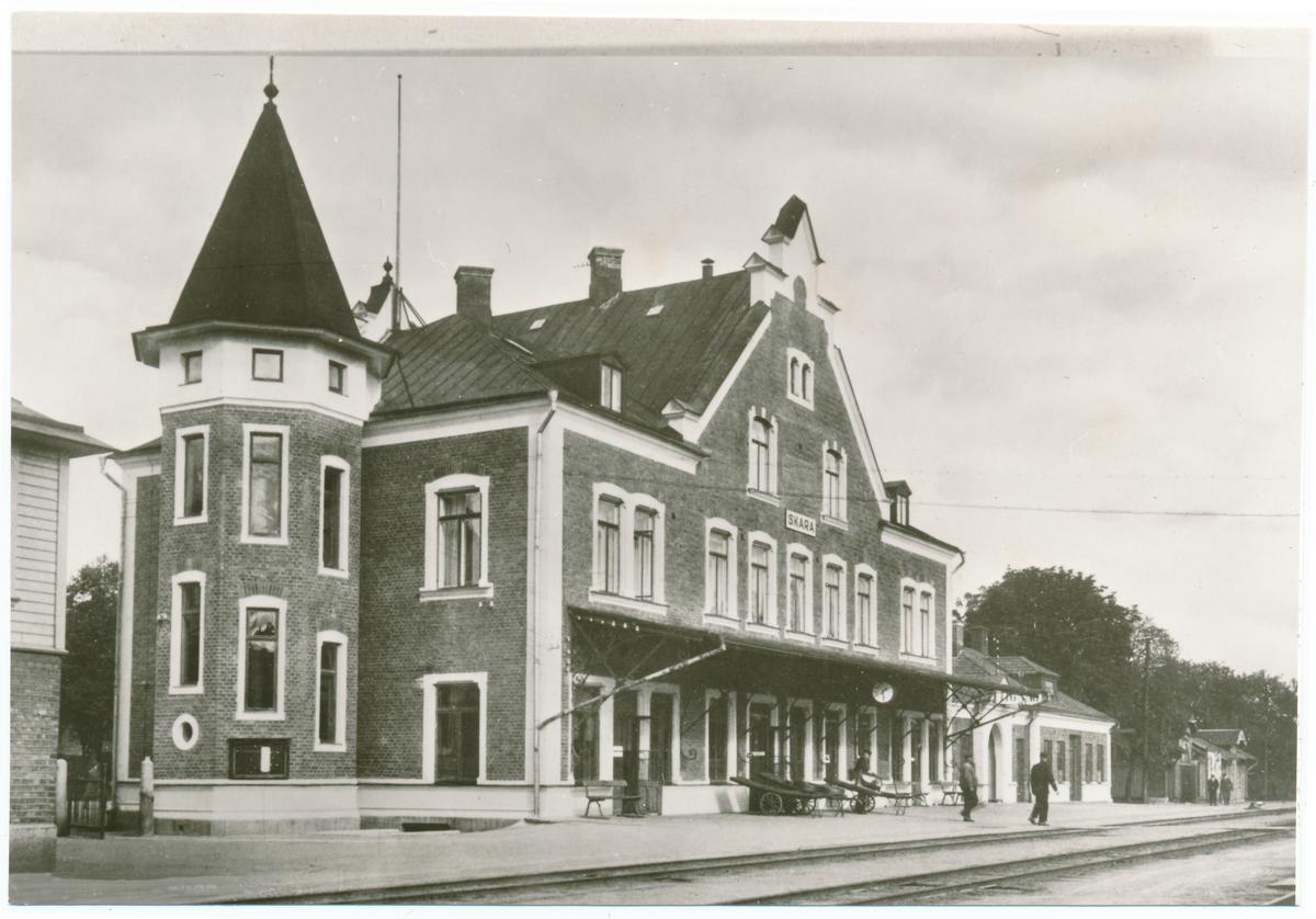 Vy på Skaras stationshus.
