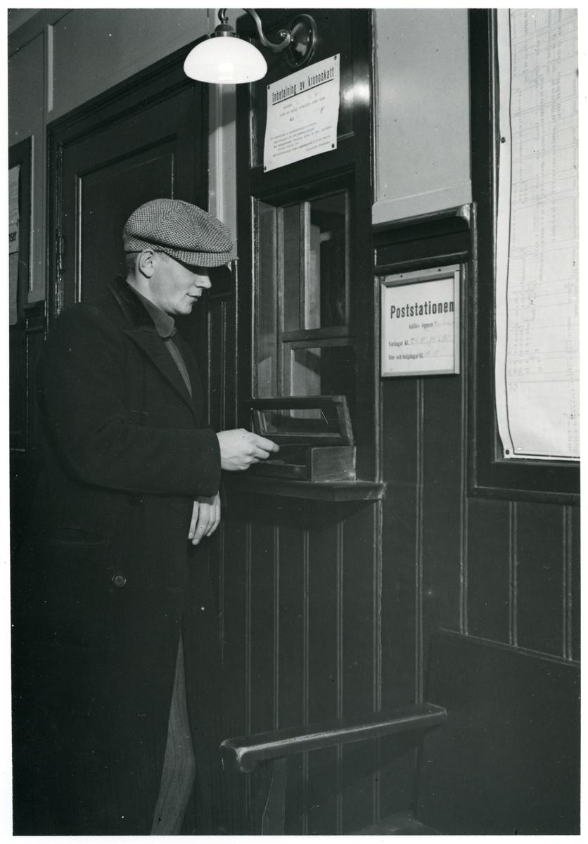 Postluckan från väntsalen på Horndal station.