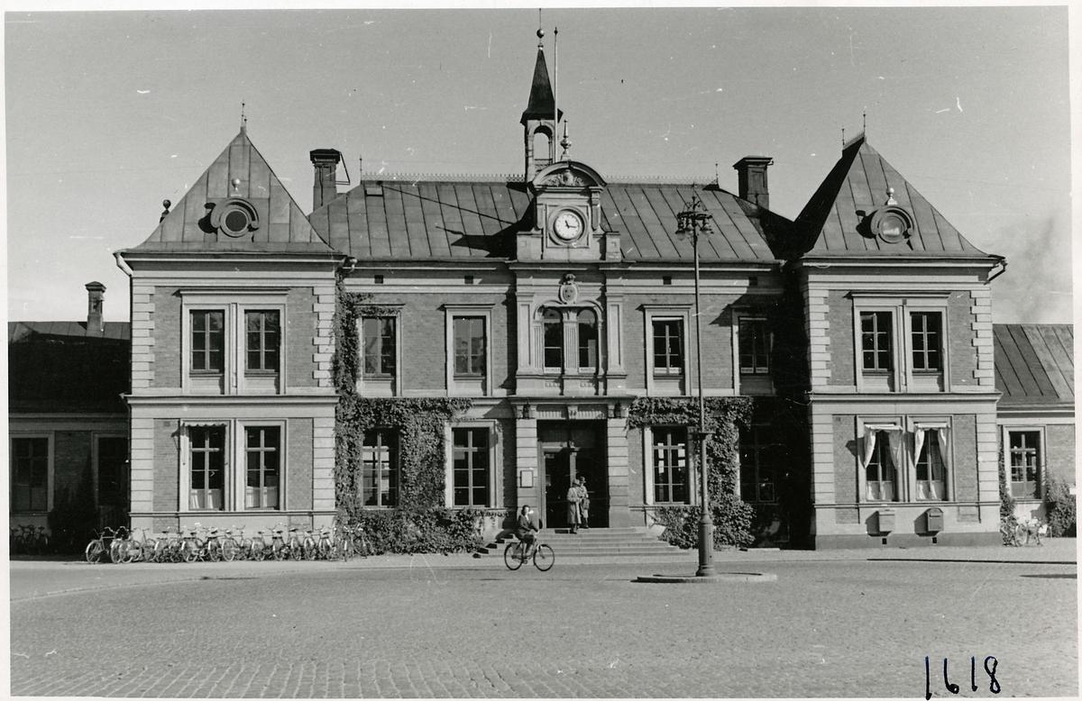 Linköping stationshus från gatusidan.