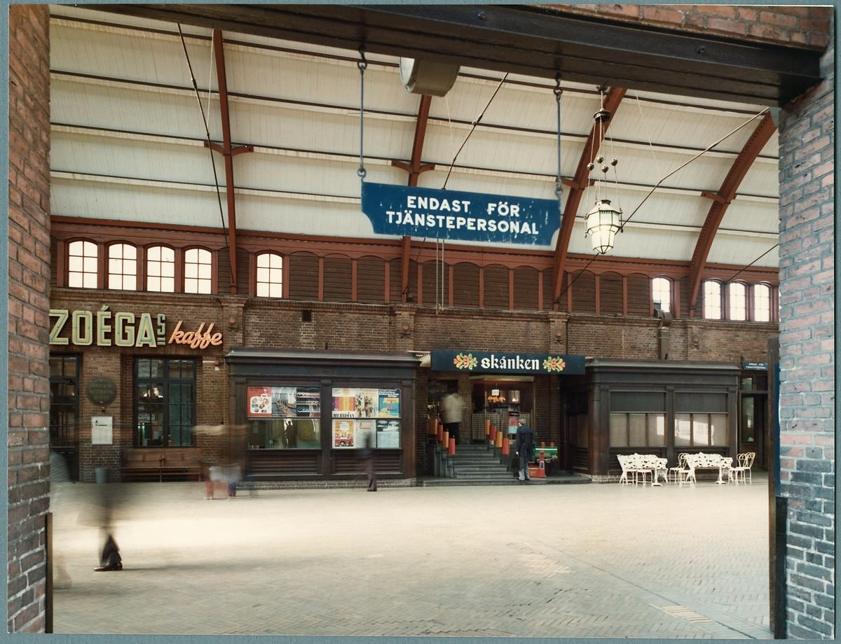 Stora hallen på Malmö centralstation.