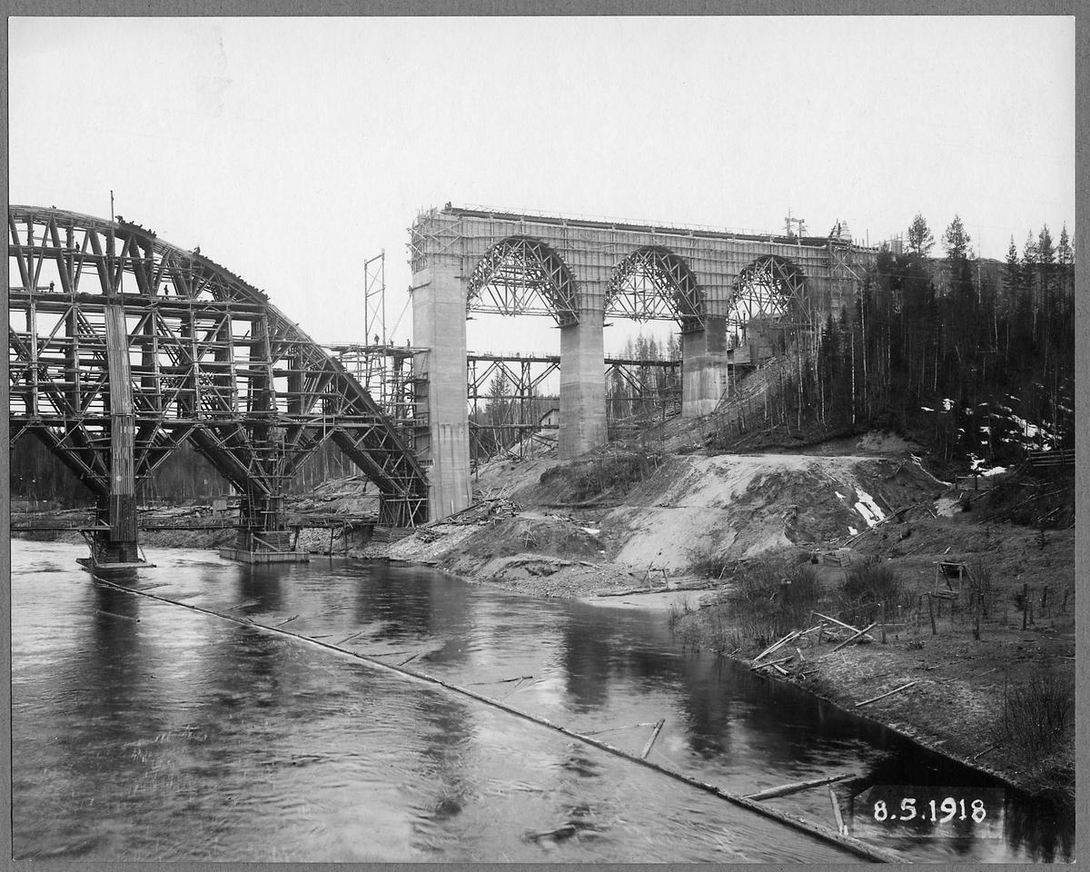 Brobygge av Öreälvsbron.