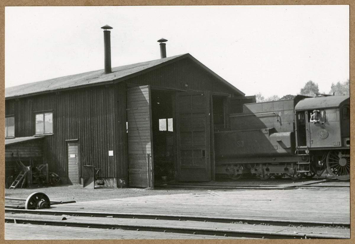 Lokstall vid Borlänge lokstation. Statens Järnvägar, SJ B 1311.