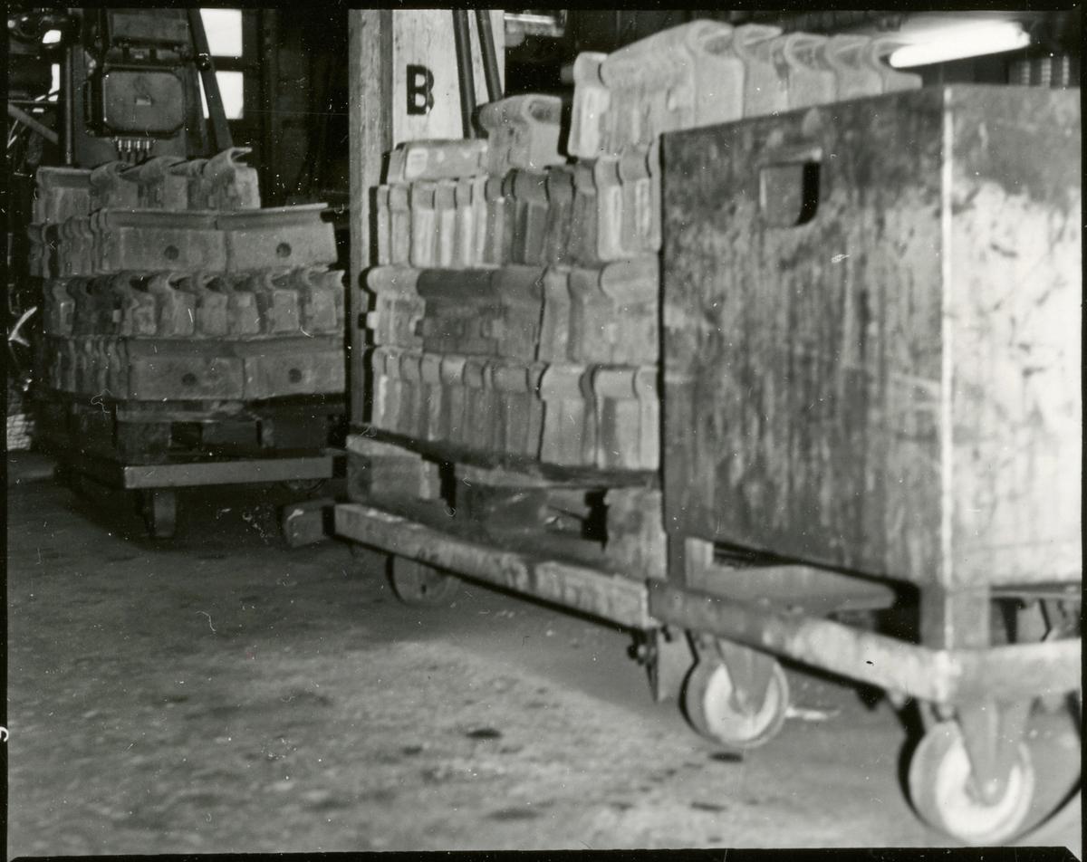 Staplar av bromsblock för vagn och lok.