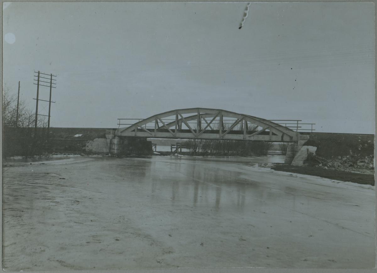 Bro över Vettelandaån vid Beateberg.