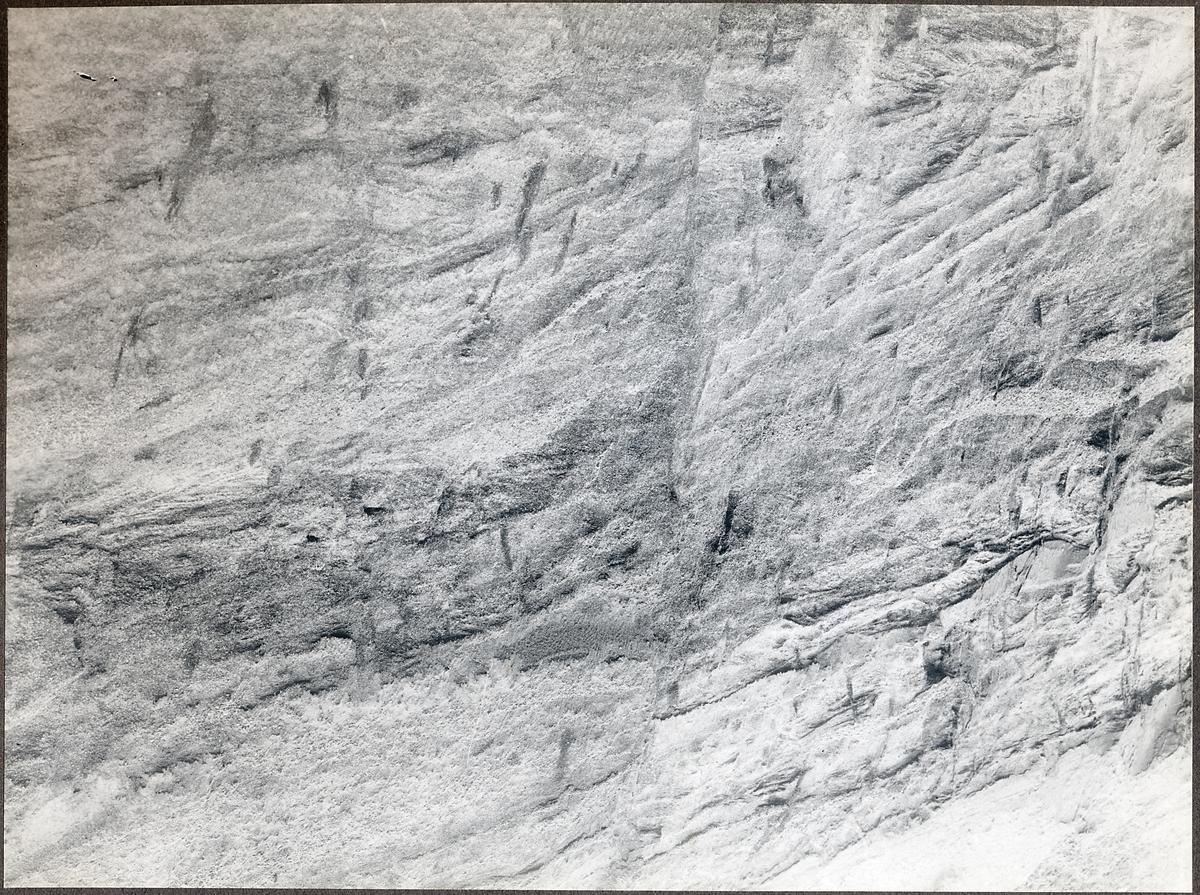 Bergssida vid Södertälje kanal.