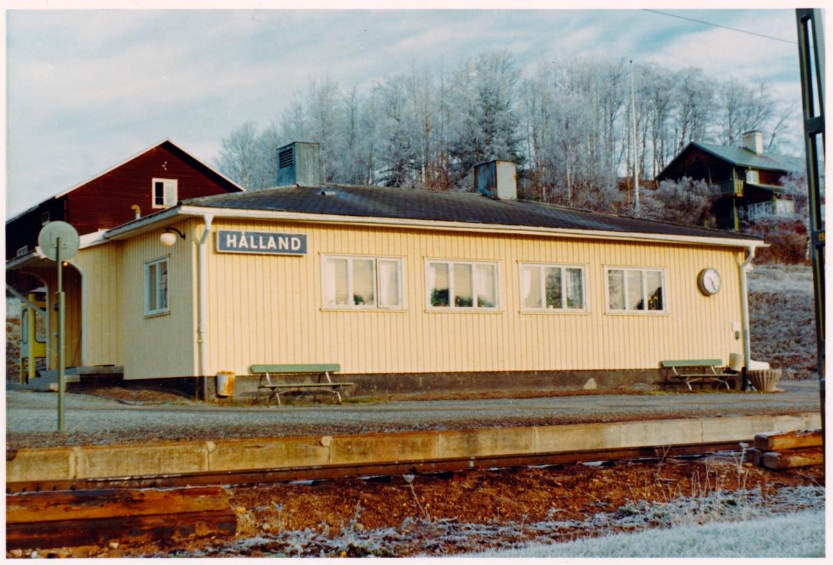 Hålland stationshus.