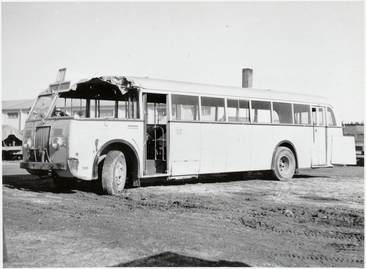 Statens Järnvägar, SJ Buss 558 efter kollisionskada.
