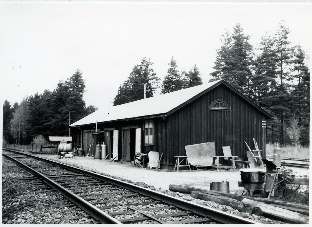 Formverkstad, Stallmon. På sträckan mellan Tensmyra och Älvkarleö.