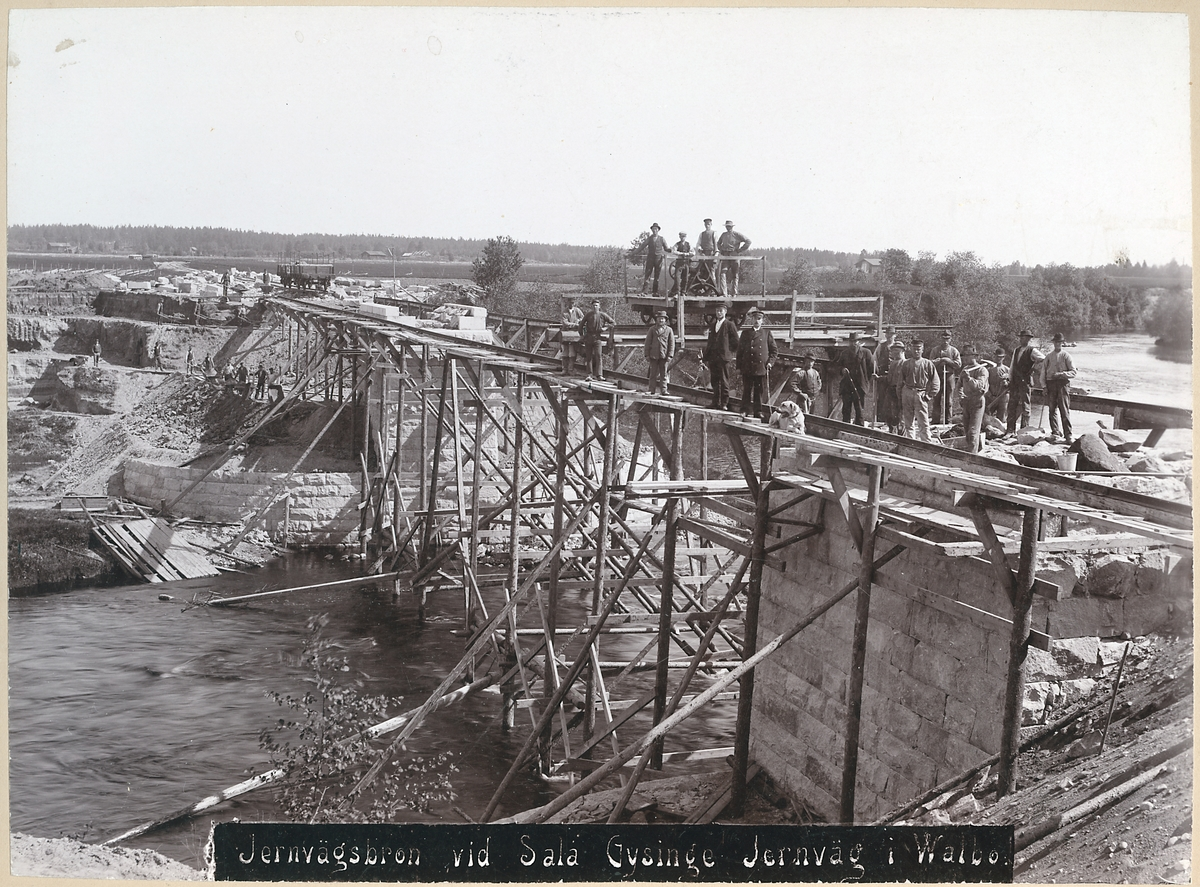 Bro över Gavleån vid Åbyfors, på sträckan mellan Hagaström och Södra Valbo station.