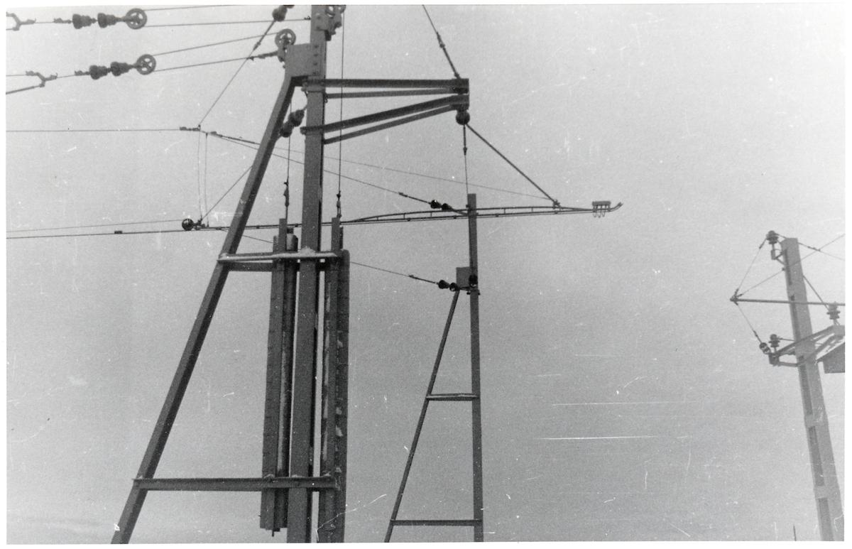 Kontaktledning över svängbron i Jönköping.