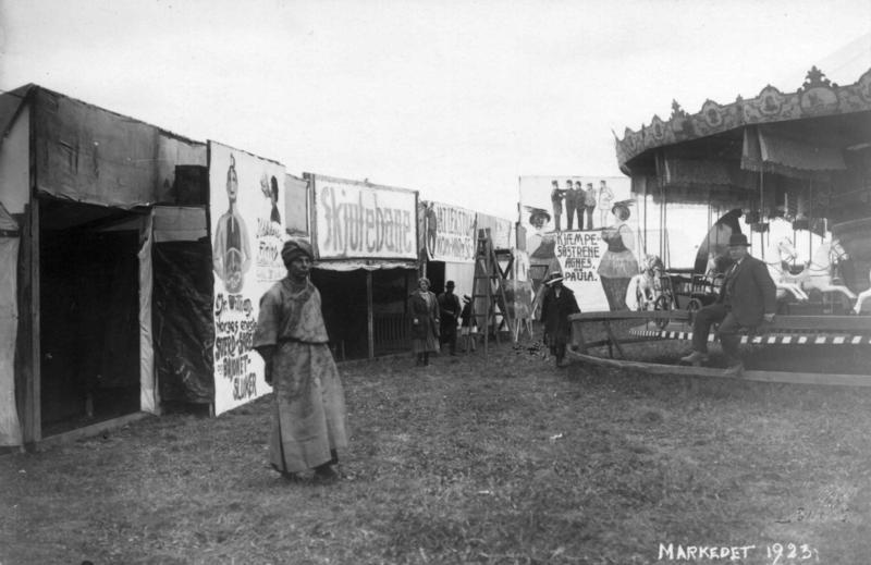 Markedsdager på Markedsplassen (den senere Festplassen) i 1923 (Foto/Photo)