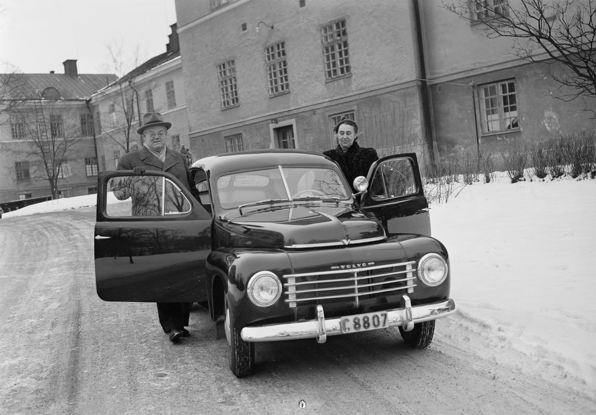 Ulleråkers sjukhus, Doktor Walström vid sjukbil, Uppsala 1954