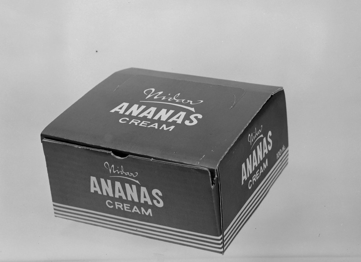 Fersken Cream og Ananas Cream fra Nidar Chokoladefabrik A/S