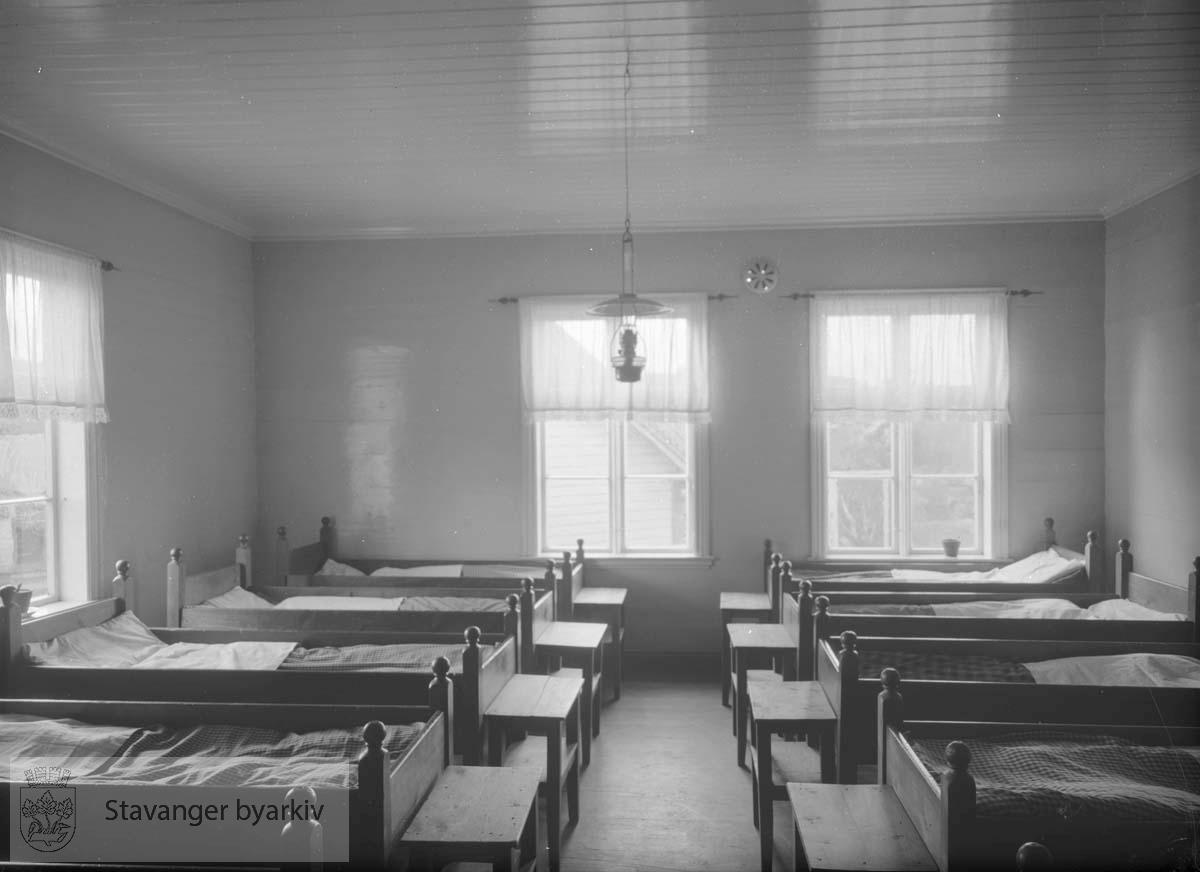 Soverom, Lindøy skole