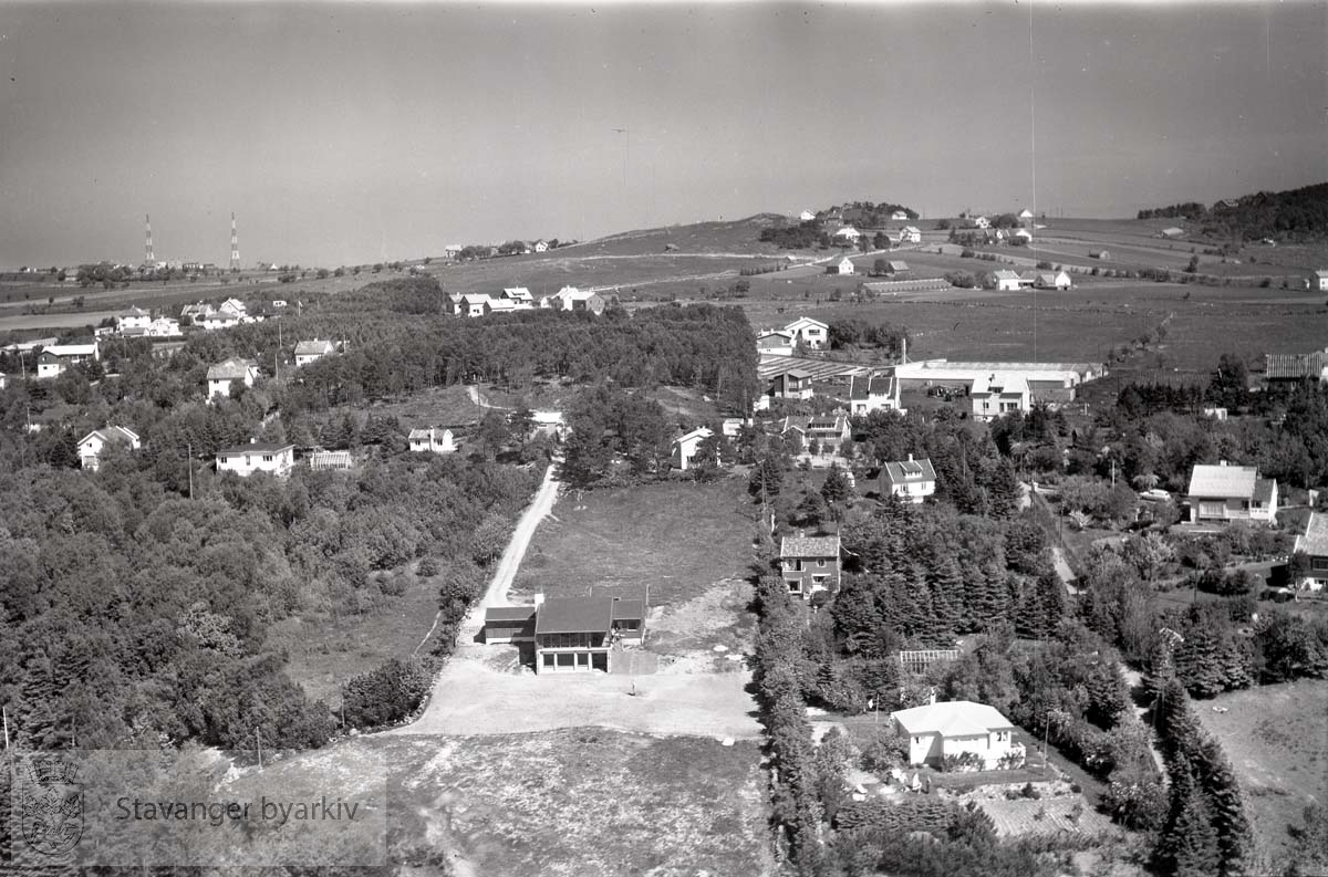 Stavanger ytre.Ullandhaug, på grensen til Madla (til venstre). Sola kommune i forgrunnen...Gosen. Mot Limahaugen midt i bildet, og Ullandhaug-Sørmarka til høyre.