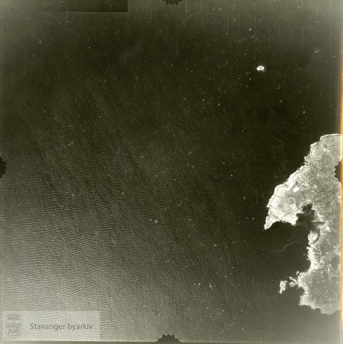 Jfr. kart/fotoplan A(III) 42/339..Holmaviga, Holmodden, Tungenes..Se ByStW_Uca_002 (kan lastes ned under fanen for kart på Stavangerbilder)