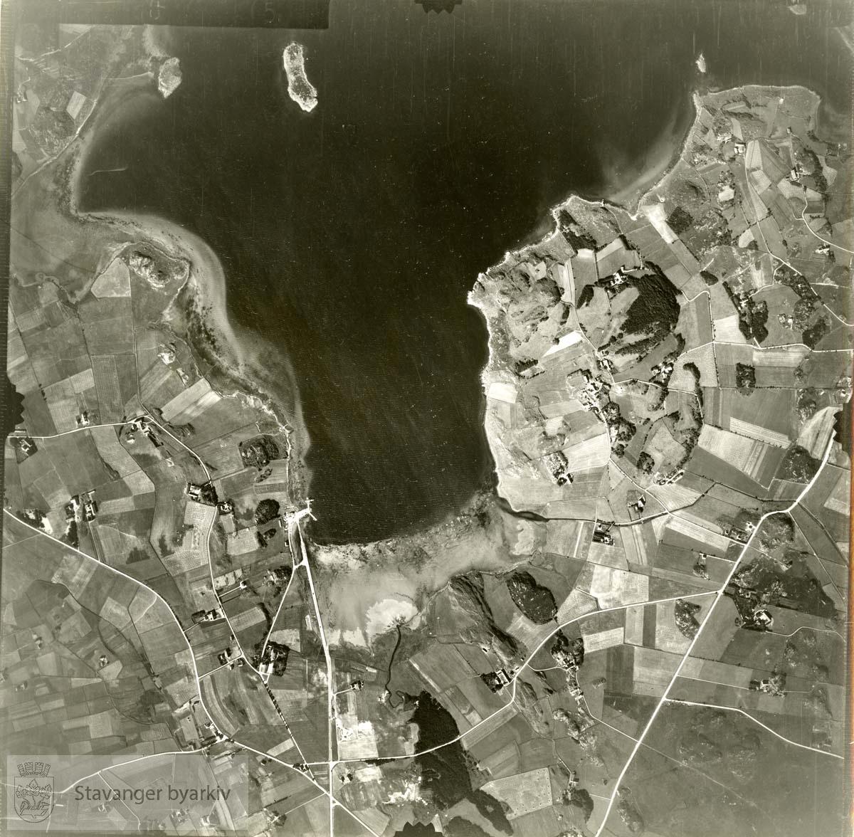 Jfr. kart/fotoplan C25/385..Sømmevågen..Se ByStW_Uca_002 (kan lastes ned under fanen for kart på Stavangerbilder)