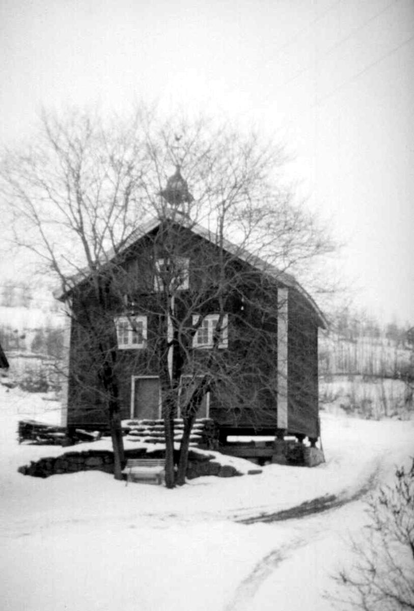 Stabbur med klokketårn, vinter, Jørstad Søgarden