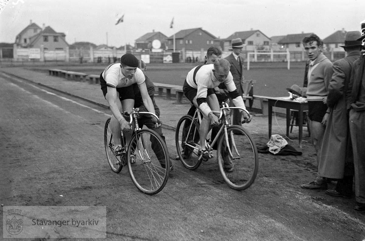 Syklister på Stavanger Stadion