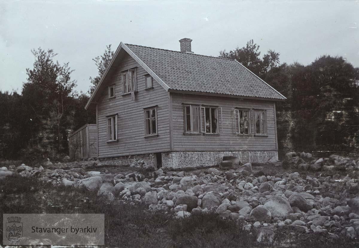 Bolighus. .Boganes var opprinnelig en husmannsplass under Jåttå / Jåtten