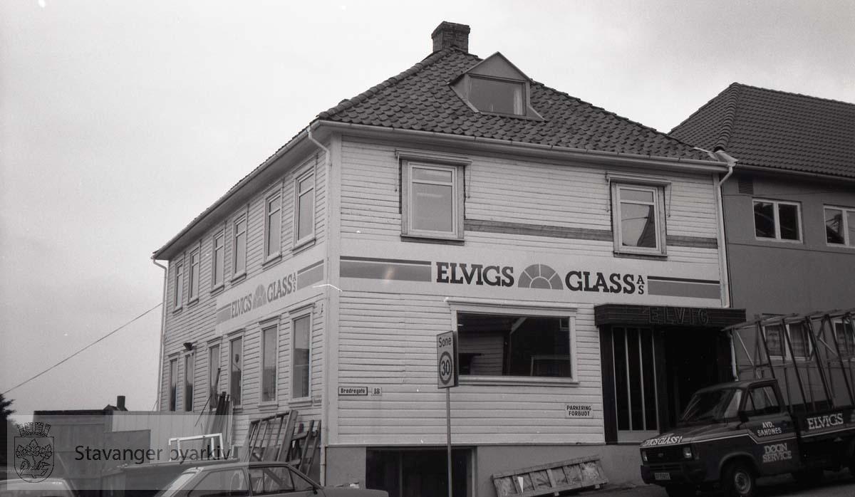 Elvigs glass