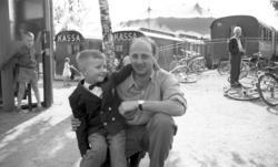 Fyraårige Thomas Bååth besöker Cirkus Scott och får en exklu