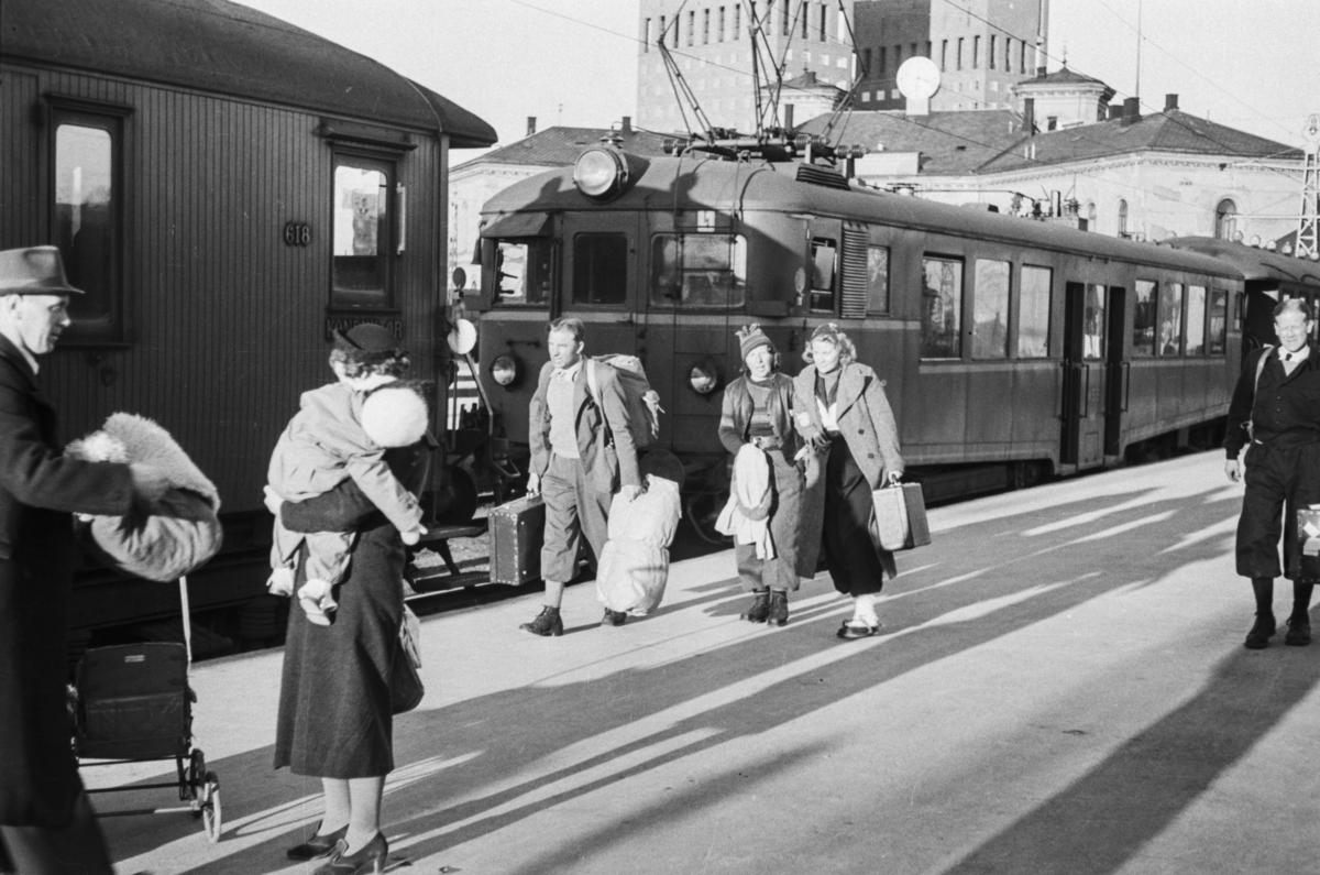 Påsketrafikk på Oslo Vestbanestasjon.