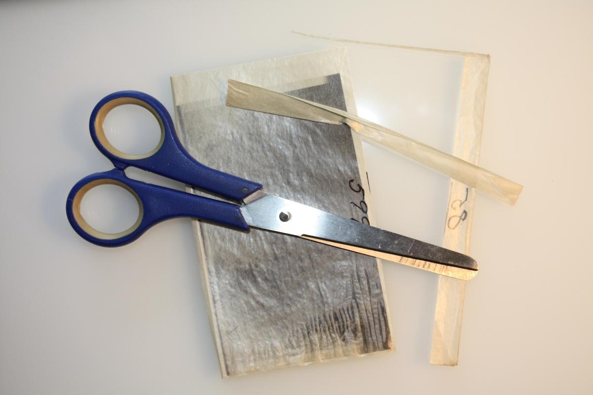 Saks for klipping av konvolutt når papiret har festet seg.