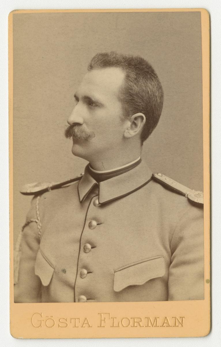 Porträtt av Linus Bentzer(?), officer i norska armén.
