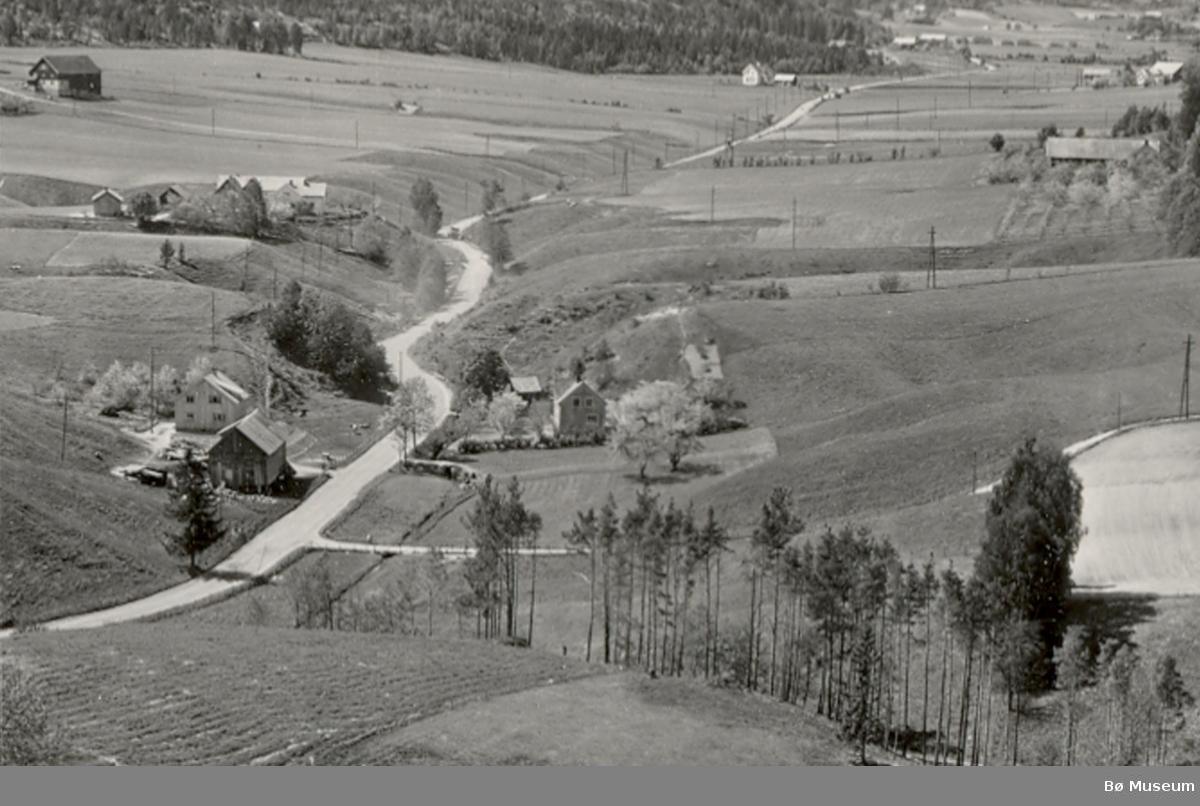Flyfoto av Glenna med Glennahaugen i forgrunn