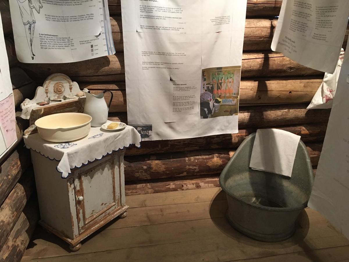 """""""Lappete, lusete"""" på Almenninga (Foto/Photo)"""