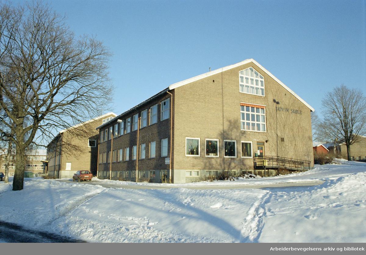 Oslo: Hovin skole. Desember 1996