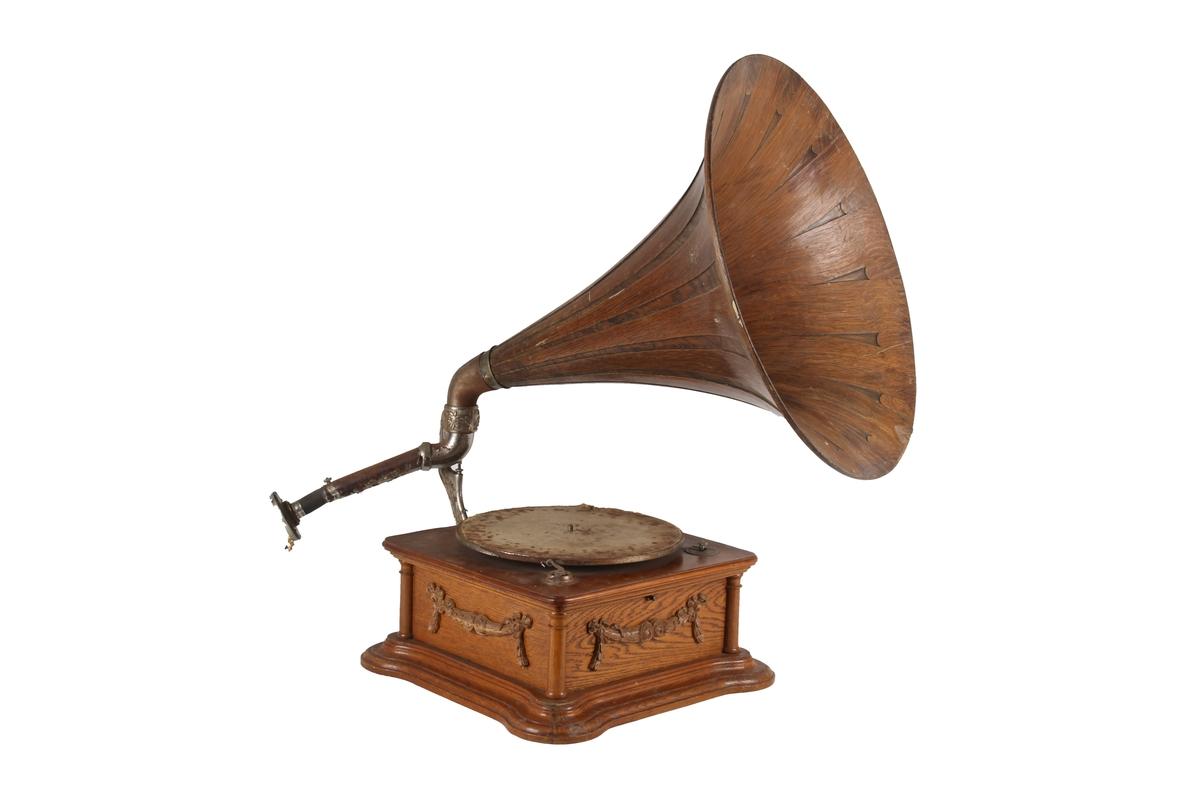 Grammofontrakt med tilhørende grammofon, DF-U3A015.