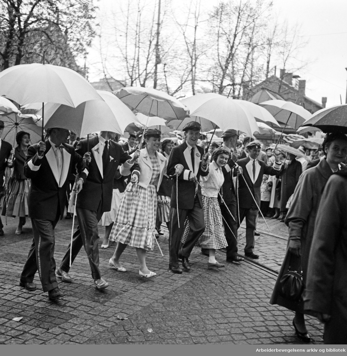 Russetoget. Blåruss. 17. mai 1957.