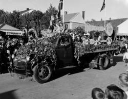 Hamardagen 1946. Opptog, Chevrolet 1946 lastebil, pyntet,