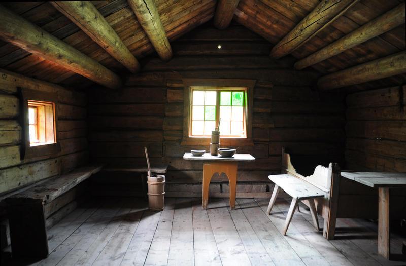 Rennsennselet. Tredelt sel frå kring 1700. Flytt til Valdres Folkemuseum på 1950-tallet.