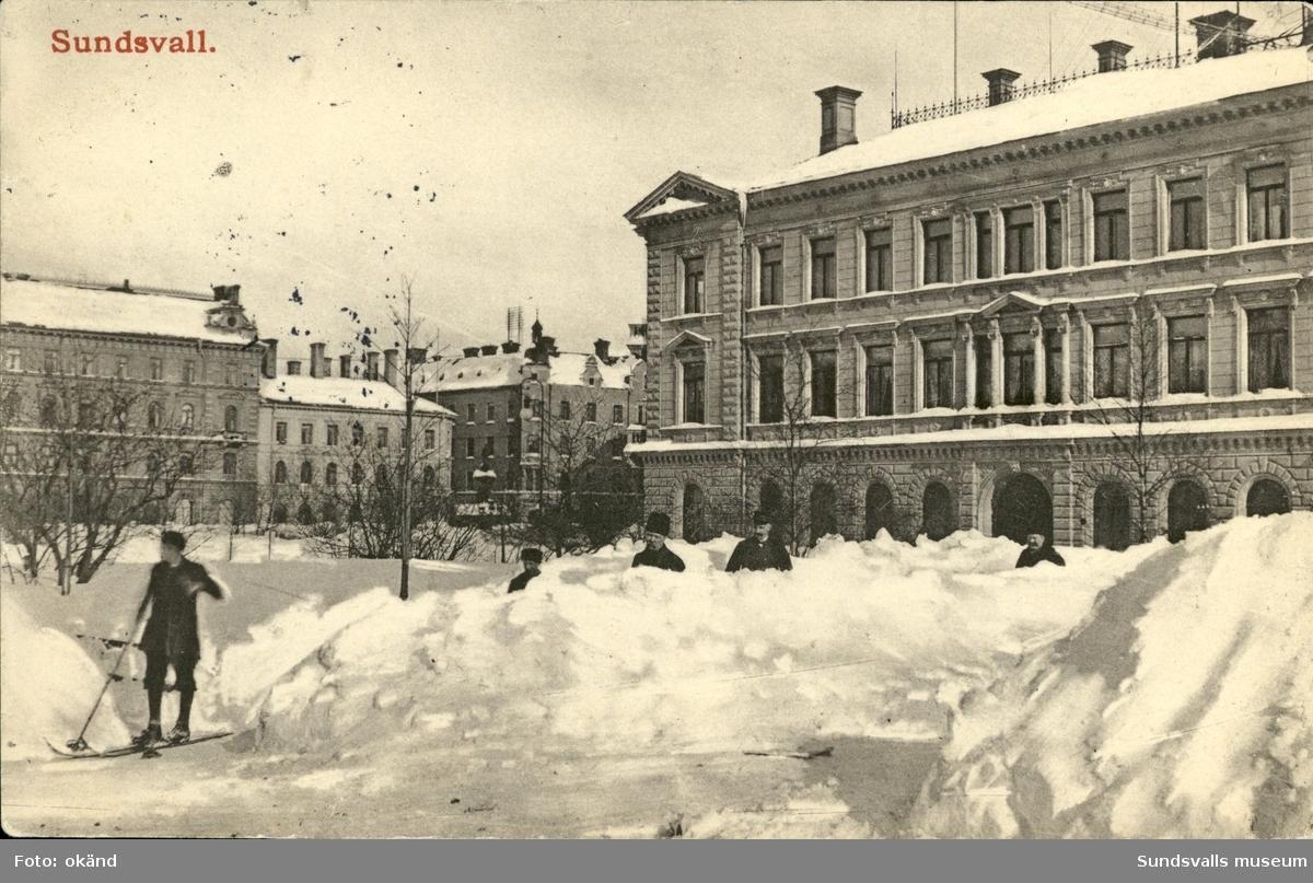 Vykort med vintermotiv över Esplanaden och Vängåvan  i Sundsvall.