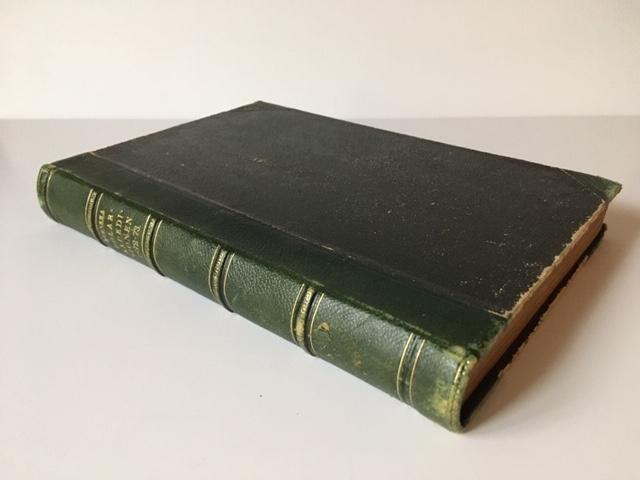 """Bok med ryggtitel: """"Svenska Polar-Expeditionen 1872-73."""" Titelsidan säger: Svenska Polar-Expeditionen 1872-1873 under ledning af A. E. Nordenskiöld skildrad af F. R. Kjellman."""" Enstaka marginalanteckningar och markeringar. I boken ligger också ett löst blad med blyertsanteckning av S A Andrée med hänvisning till boken, om att redan den 6 juni """"framkommo [fartyg] till mosselbay""""."""