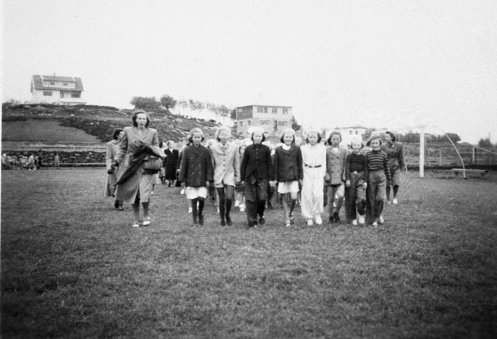 Deltakarar på Barneturnstevne på Bryne Stadion.