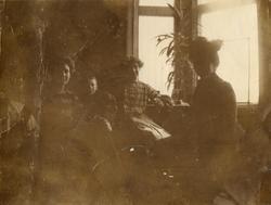 "Text i fotoalbum: ""Gymnasiebal i Umeå 1900."""