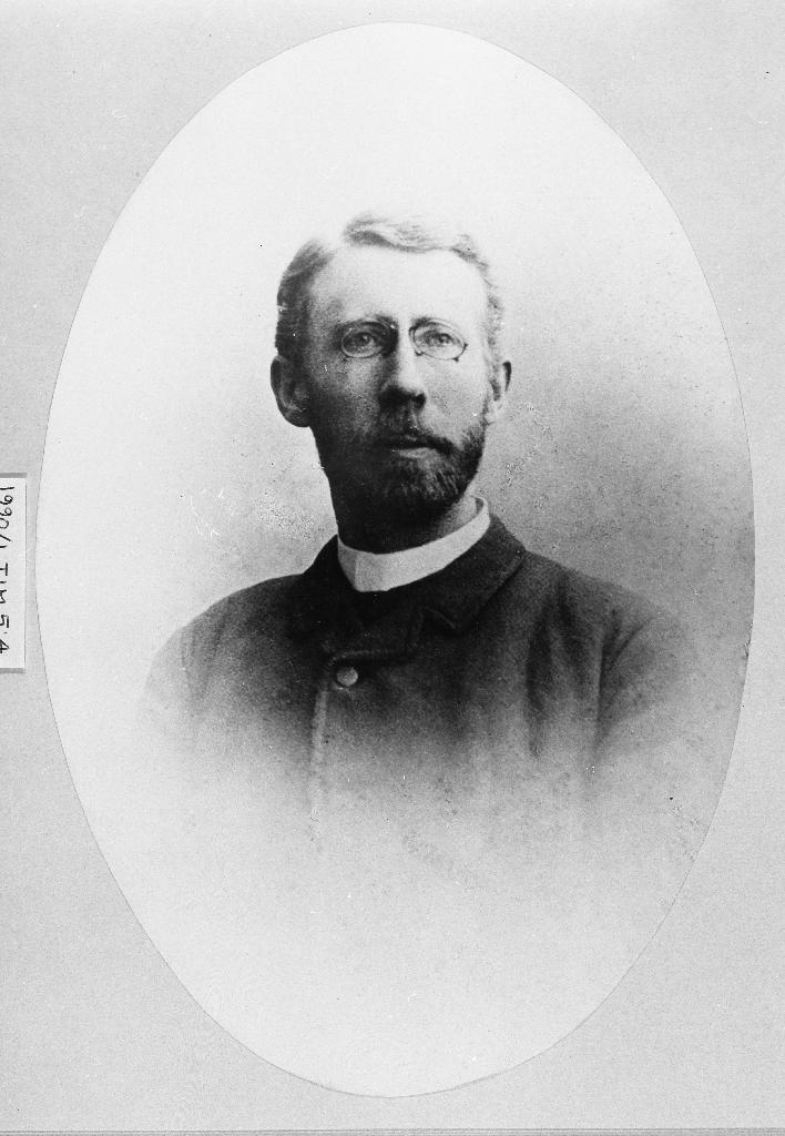 Realf Ottesen, prest i Time 1908 -1914.