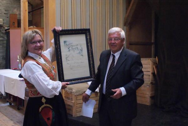 Kari-Elin Bolme Løfaldli og Simen Rustad ved åpningen av Rindal skimuseum i 2014. (Foto/Photo)