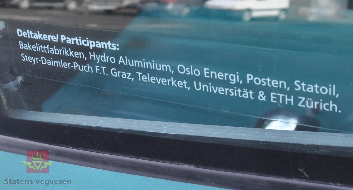 Grønn prototype av Pivco City Bee/PIV 2, som var forløper til den norske elbilen som skulle selges fra 1997 men i stedet ble videreutvilet til Think produsert fra 1999. PIV2-bilene kjennetegnes av sine doble lykter og høye tak.   Bilen hadde to seter. Grønn, grå og svart innvendig, og aluminiumsfelger. Elektrisk framdrift, men nikkel kadmiumbatteriet er fjernet.  Bilen har to sitteplasser, et korosseri av termoplast, (polyethylen) og et tak av ABS plast. Ramme i aluminum. Grått interiør. Framhjulstrekk. Motortypen er en vannavkjølt 3 fase asynkron induksjonsmotor med maksimal effekt på 27 kW.  Bilen gjør 0-50 km/t på 7 sekunder og har en toppfart på 90 km/t. Kjører ca 65 km vinterstid, 85-90 km sommertid på et fulladet nikkel cadmiumbatteri inneholdende 9,8 kWh.