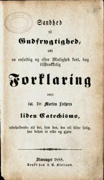 Bibelen var lære- og lesebok, og også Martin Luthers Lille Katekisme, som kom på tysk allerede i 1529.  Dette er Erik Pontoppidans forklaring av Luthers lille katekisme, skrevet i 1739 til hjelp i konfirmasjonsundervisningen. Dette eksemplaret er fra 1888. Denne skulle i mange år pugges utenat.