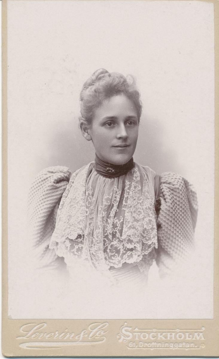 Julia Rettig, född Björkman. Gift med Hjalmar Rettig.