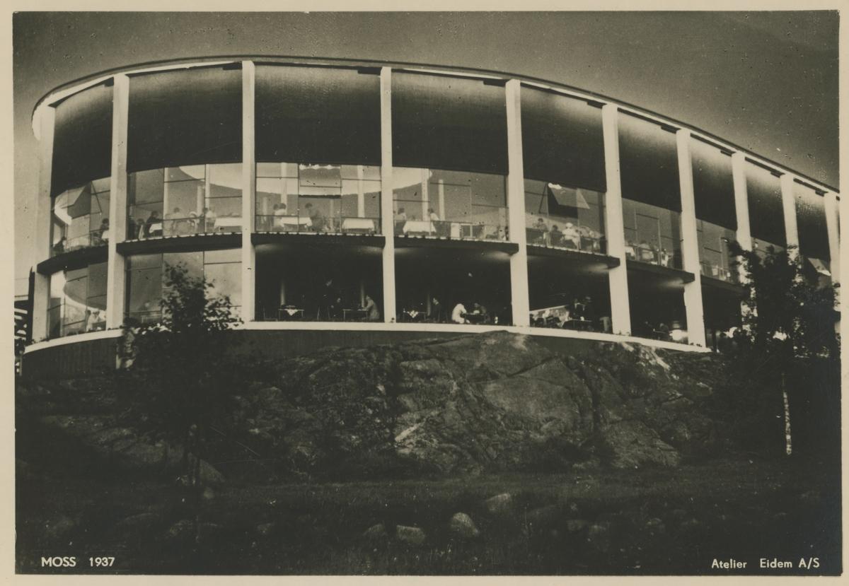 Postkort fra Mosseutstillingen i 1937. 2 postkort som viser hovedrestauranten og på det ene kortet også Bytårnet.