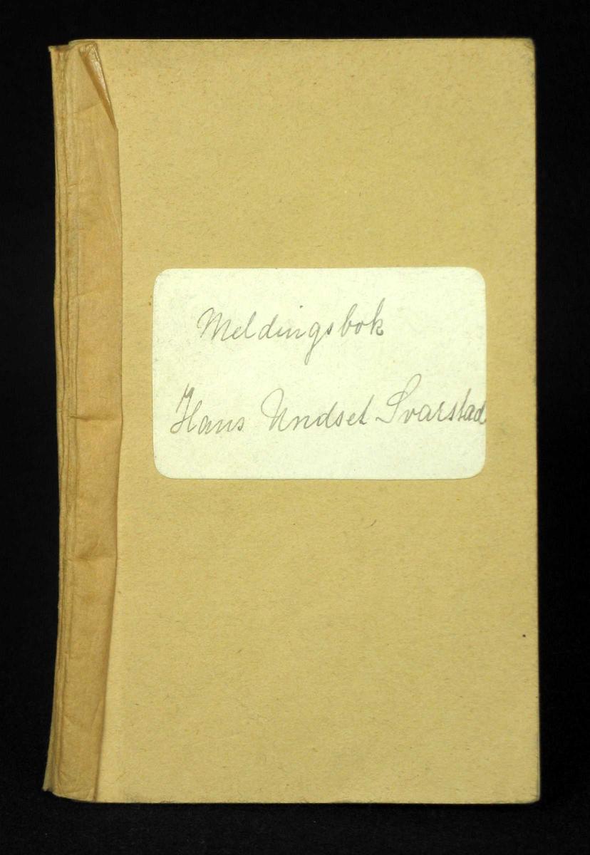 Kladdebok hvor det er skrevet ordensmeldinger på de tre første sidene. Det er ikke skrevet i resten av kladdeboken.