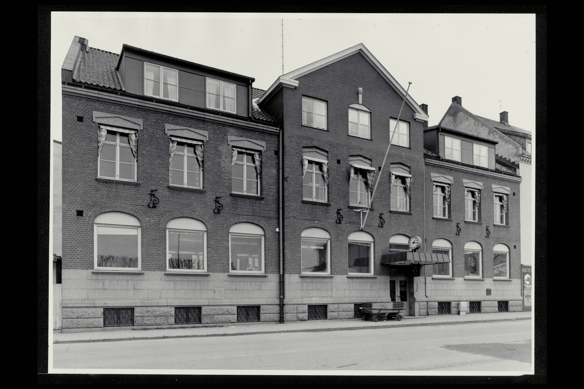eksteriør, postkontor, 3250 Larvik, postskilt