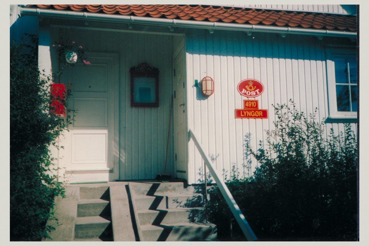 eksteriør, postkontor, 4910 Lyngør, postskilt