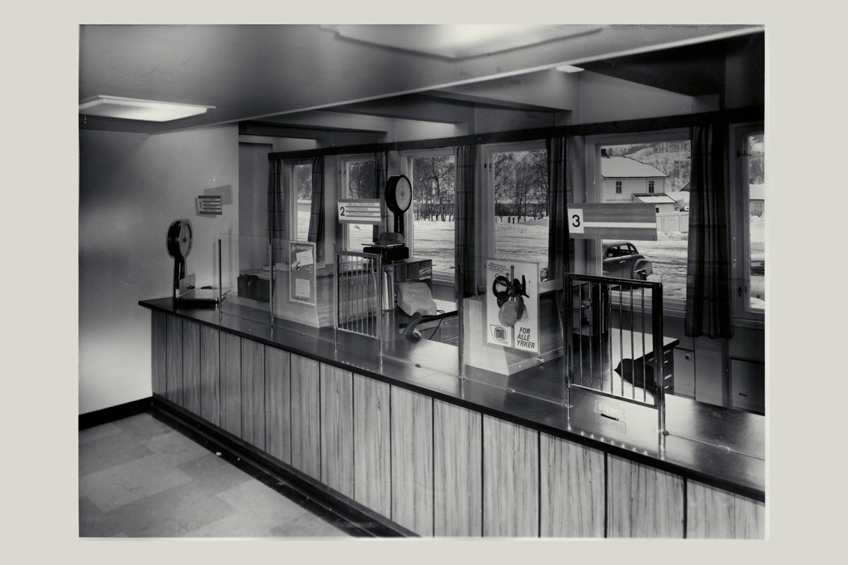 interiør, postkontor, 2080 Eidsvoll, vekt, skranke